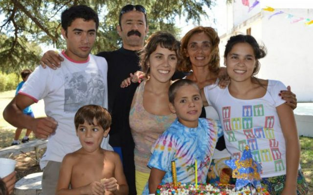 Josefina Mendoza joven en familia